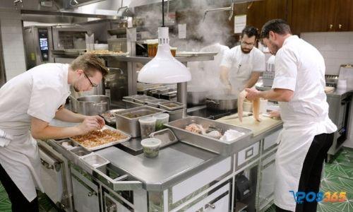 bếp nhà hàng khách sạn