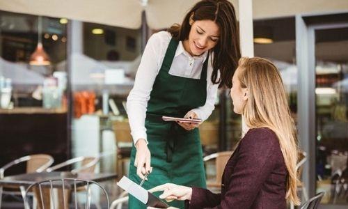 báo cáo doanh thu nhà hàng