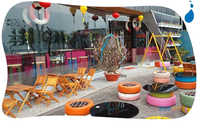trang trí quán cafe bằng lốp xe