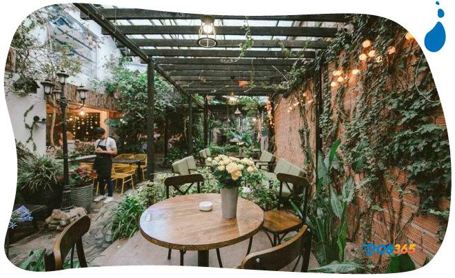 trang trí quán cafe vườn