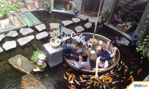 quán cafe có cá koi