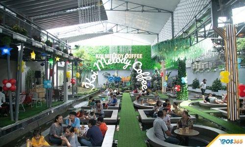 quán cà phê cá koi