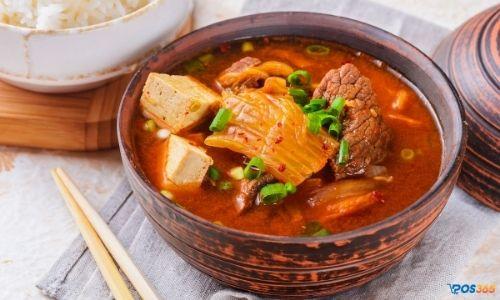 nấu canh kim chi thịt bò