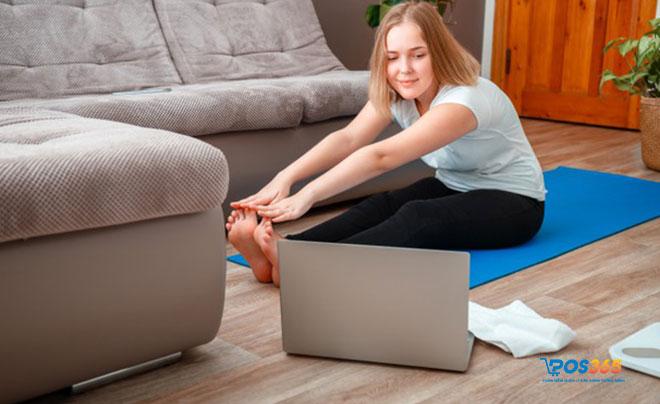 phụ nữ kinh doanh online