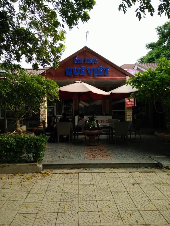 Nhà Hàng Quê Việt