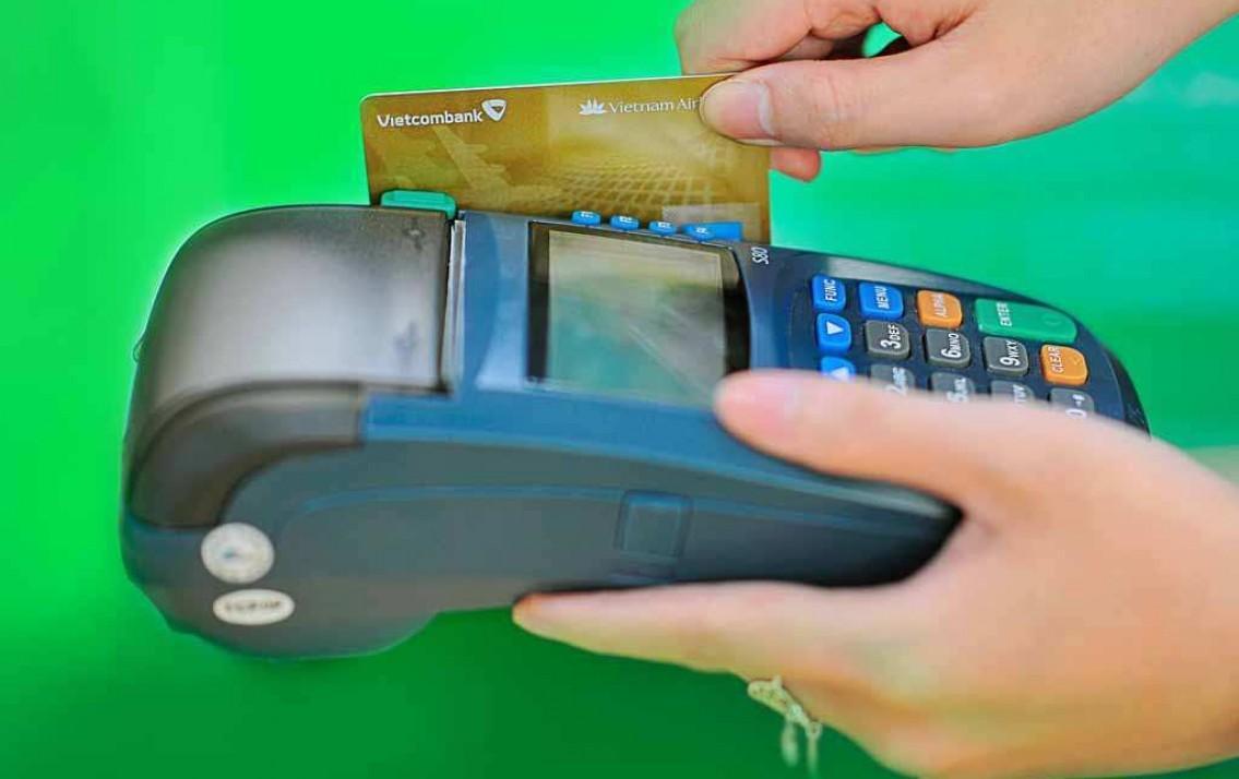 Thanh toán hóa đơn bằng máy pos và một số lưu ý khi sử dụng